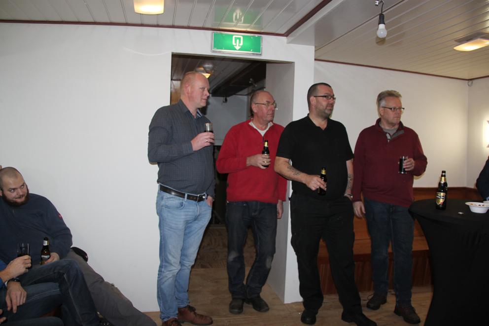 Kerstborrel met vrijwilligers en bestuur op het schip